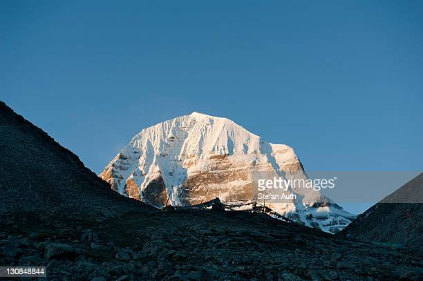 tibetan buddhism, snow-capped sacred mount kailash, north side, gang rinpoche, pilgrimage route, kora, ngari, gang tise-mountains, trans-himalaya, himalayan, west tibet, tibet autonomous region, people's republic of china, asia - mt kailash stock pictures, royalty-free photos & images