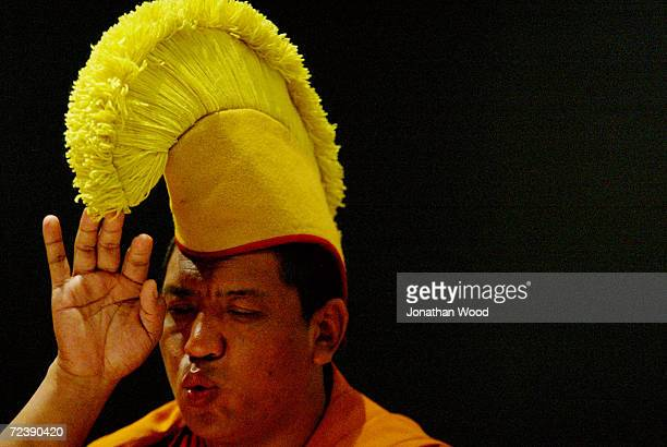 Tibetan Buddhist Monk Tenpa Gyoltsen in Prayer during the dissolution of a sand mandala at the Queensland Museum, December 1, 2003 in Brisbane,...