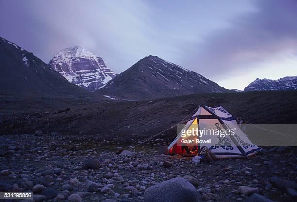 tibetan tent below mount kailas - mt kailash stock pictures, royalty-free photos & images