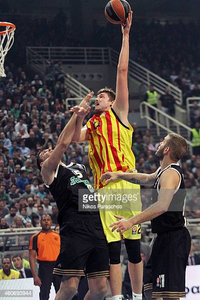Tibor Pleiss #21 of FC Barcelona in action during the 20142015 Turkish Airlines Euroleague Basketball Regular Season Date 10 game between...
