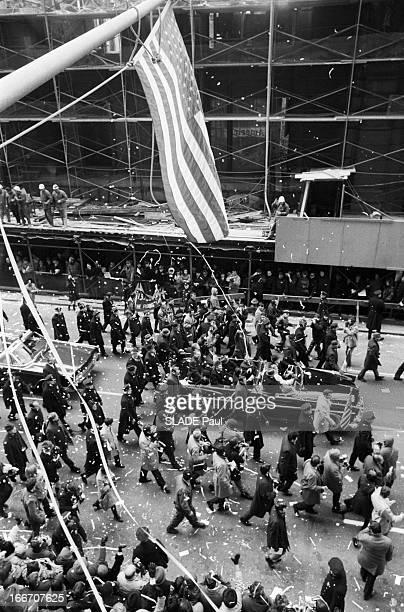 Ticker Tape Parade For The Three Astronauts Of Apollo 8 In New York En janvier 1969 une parade dans les rues de New York organisée en l'honneur des...