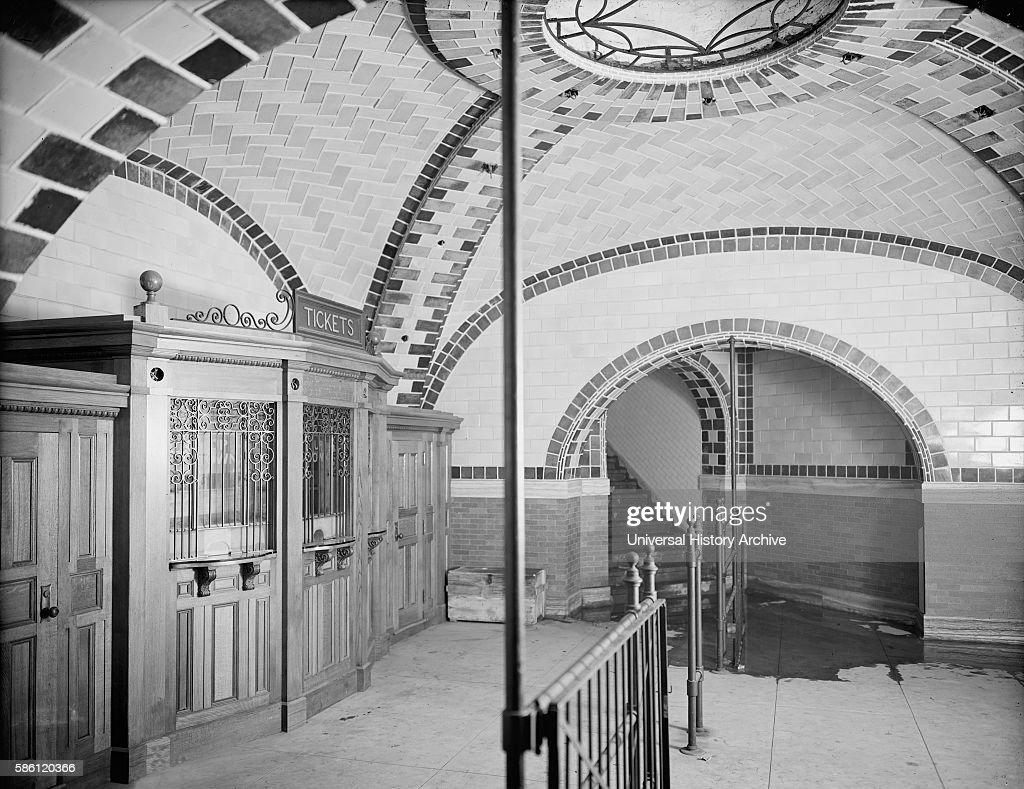 Ticket office, City Hall subway station, New York City, USA, circa 1903 : News Photo