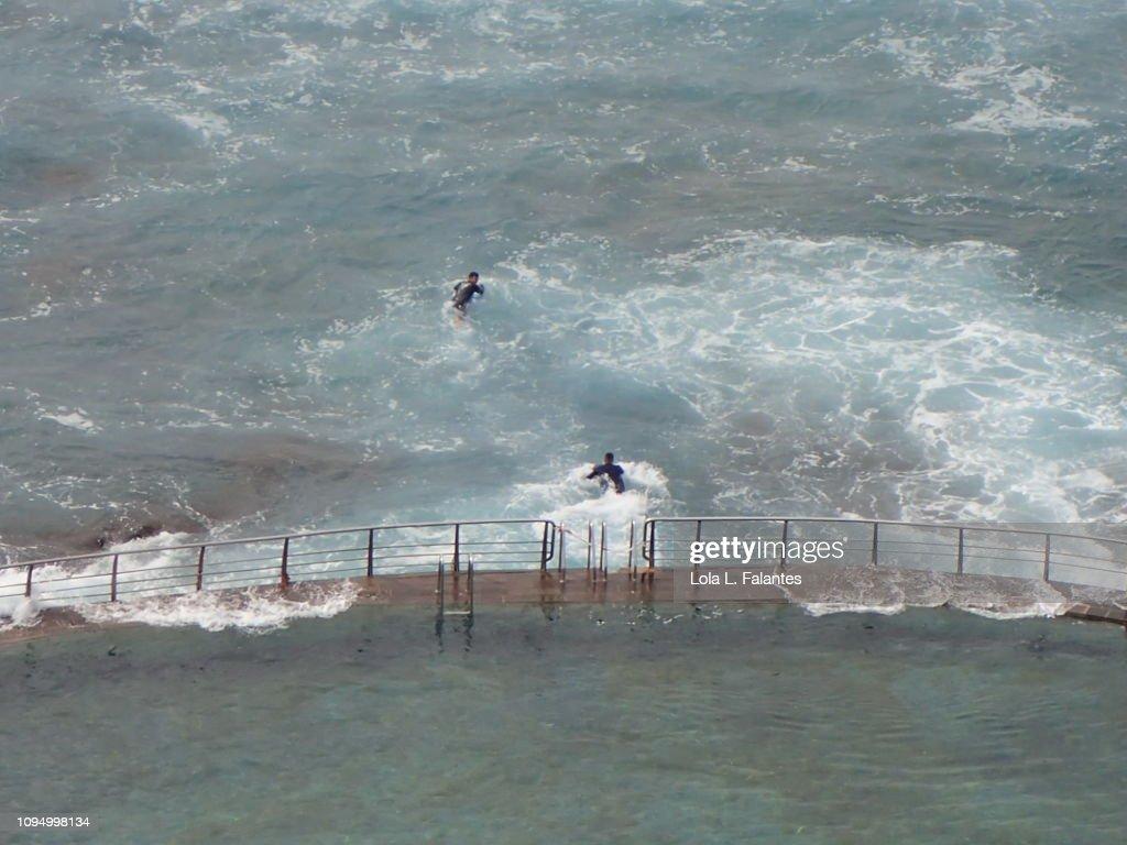 Tide pool and surf, Punta del Hidalgo, Tenerife : Stock-Foto