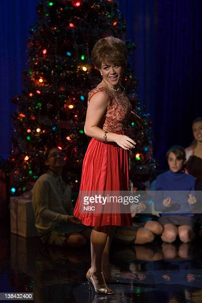Kelly Clarkson Christmas Eve.60 Top Kelly Clarkson Christmas Pictures Photos And Images Getty