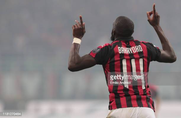 Tiemoue Bakayoko of AC Milan celebrates his goal during the Serie A match between AC Milan and FC Internazionale at Stadio Giuseppe Meazza on March...