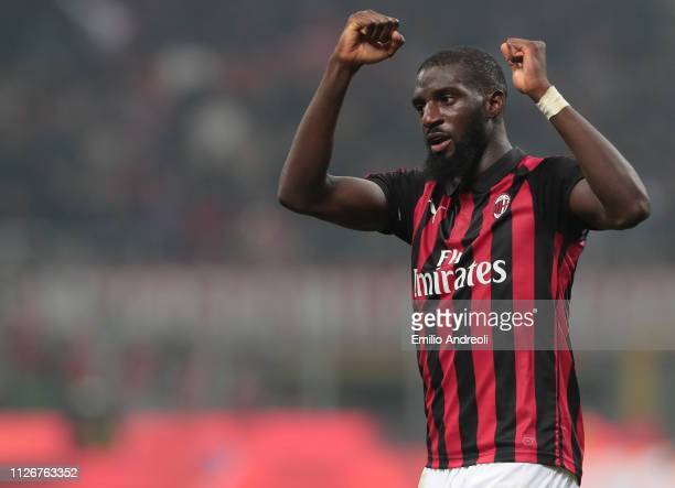 Tiemoue Bakayoko of AC Milan celebrates the victory at the end of the Serie A match between AC Milan and Empoli at Stadio Giuseppe Meazza on February...