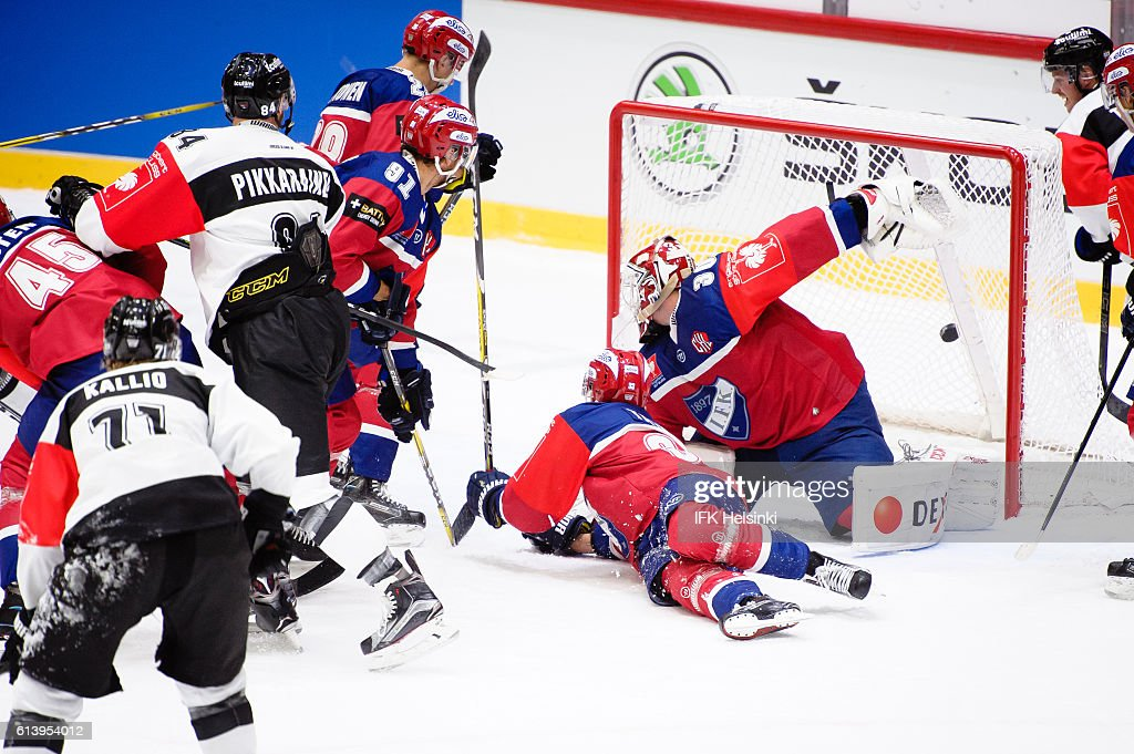 TPS ties the game in the end of 3rd period during the Champions Hockey League Round of 32 match between IFK Helsinki and TPS Turku at Helsingin Jaahalli on October 11, 2016 in Helsinki, Finland.
