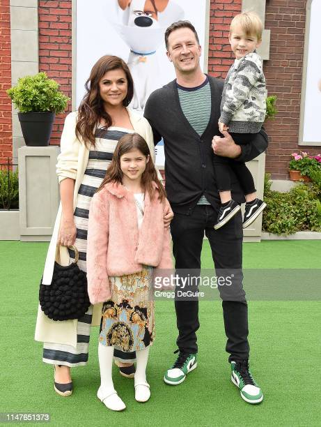 Tiffani Thiessen Brady Smith Holt Fisher Smith and Harper Renn Smith arrive at the Premiere Of Universal Pictures' The Secret Life Of Pets 2 at...