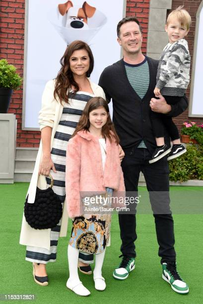 Tiffani Thiessen Brady Smith Holt Fisher Smith and Harper Renn Smith attend the premiere of Universal Pictures' The Secret Life of Pets 2 at Regency...