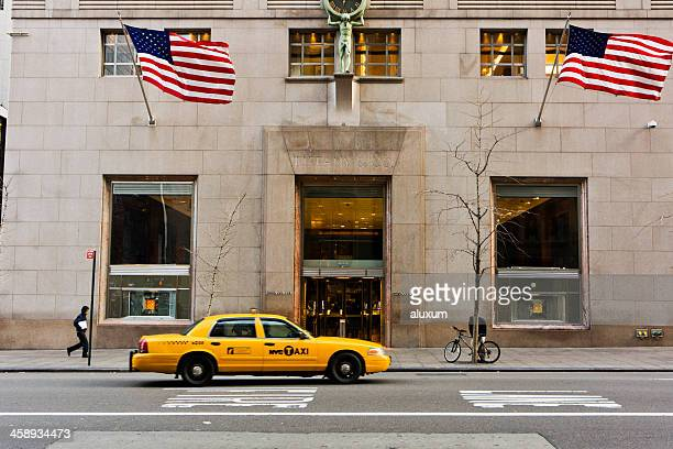 tiffany & co in the fifth avenue new york city - yellow taxi stock pictures, royalty-free photos & images