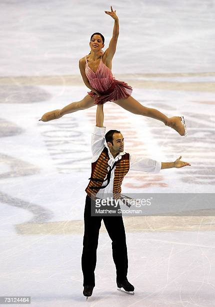 Tiffany Vise and Derek Trent compete in the free skate portion of the pairs competition during the State Farm US Figure Skating Championships January...