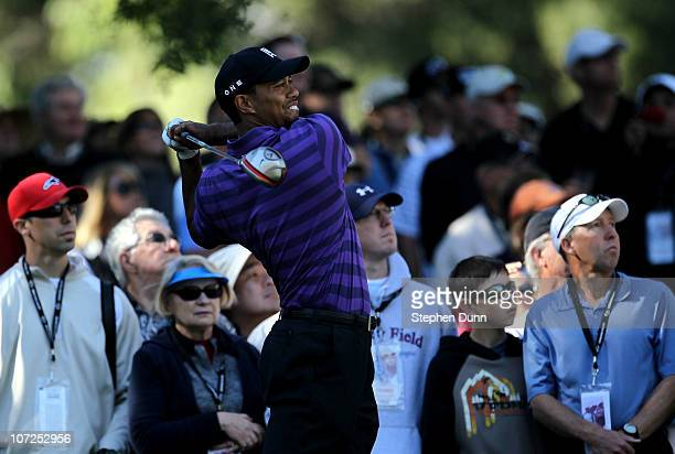 Tiger Wood hits his tee shot on the second hole during the Chevron World Challenge at Sherwood Country Club on December 2, 2010 in Thousand Oaks,...