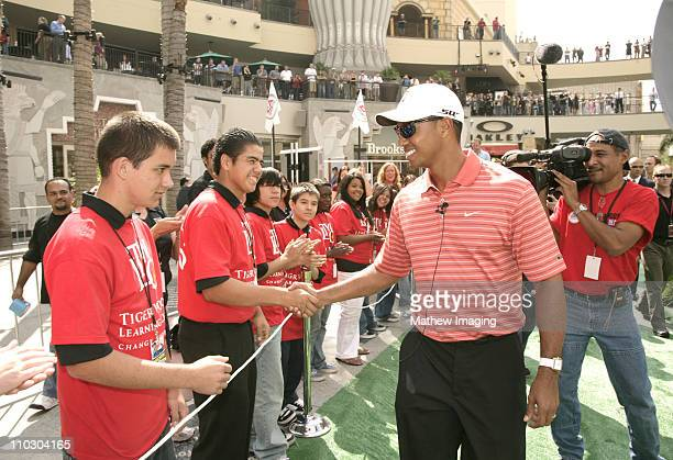 Tiger Woods and children from the Tiger Woods Foundation