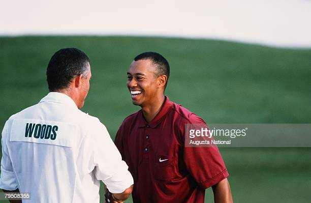 Tiger Woods And Stevie Williams On The 18th Hole During The 2001 Masters Tournament