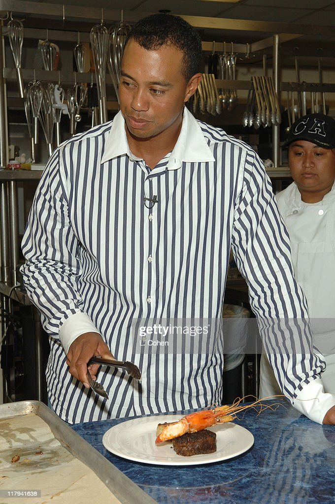 Tiger Woods Learning Center's 2006 Block Party : News Photo