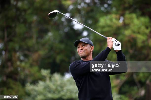 Tiger Woods of the United States hits his tee shot on the 12th hole during the first round of the ZOZO Championship at Accordia Golf Narashino...