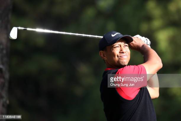 Tiger Woods of the United States hits his tee shot on the 16th hole during the final round of the Zozo Championship at Accordia Golf Narashino...