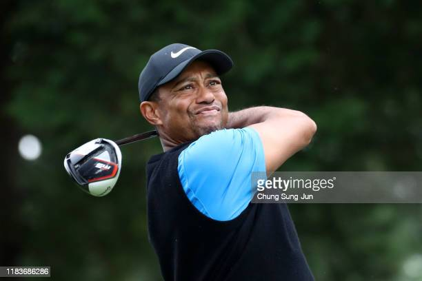 Tiger Woods of the United States hits his tee shot on the 17th hole during the third round of the Zozo Championship at Accordia Golf Narashino...
