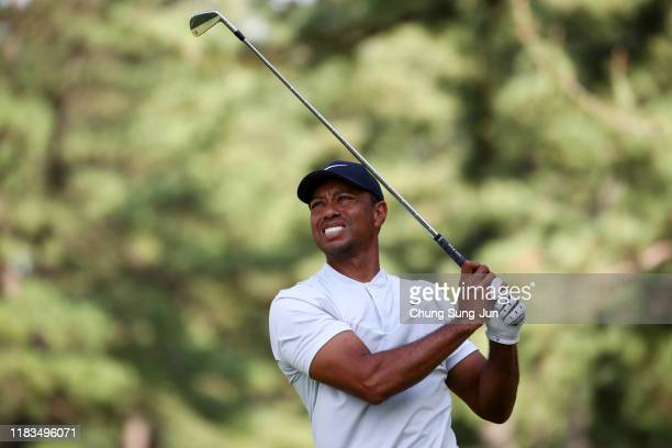 Tiger Woods of the United States hits his tee shot on the 5th hole during the second round of the Zozo Championship at Accordia Golf Narashino...