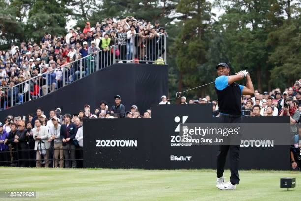 Tiger Woods of the United States hits his tee shot on the 8th hole during the third round of the Zozo Championship at Accordia Golf Narashino Country...
