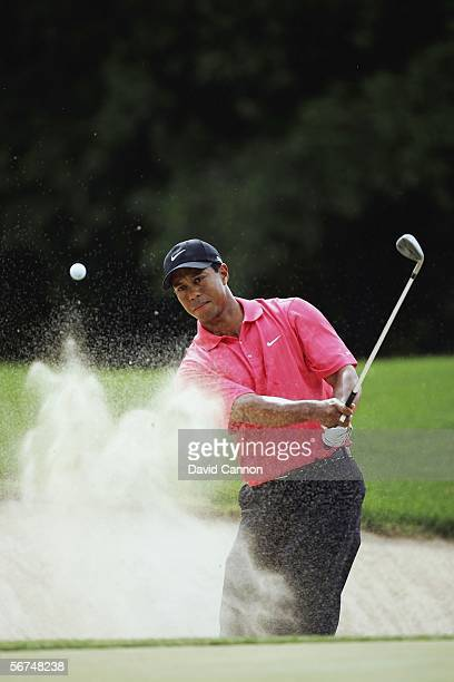 Tiger Woods of the USA plays his third shot at the 2nd hole during the final round of the 2006 Dubai Desert Classic on the Majilis Course at the...