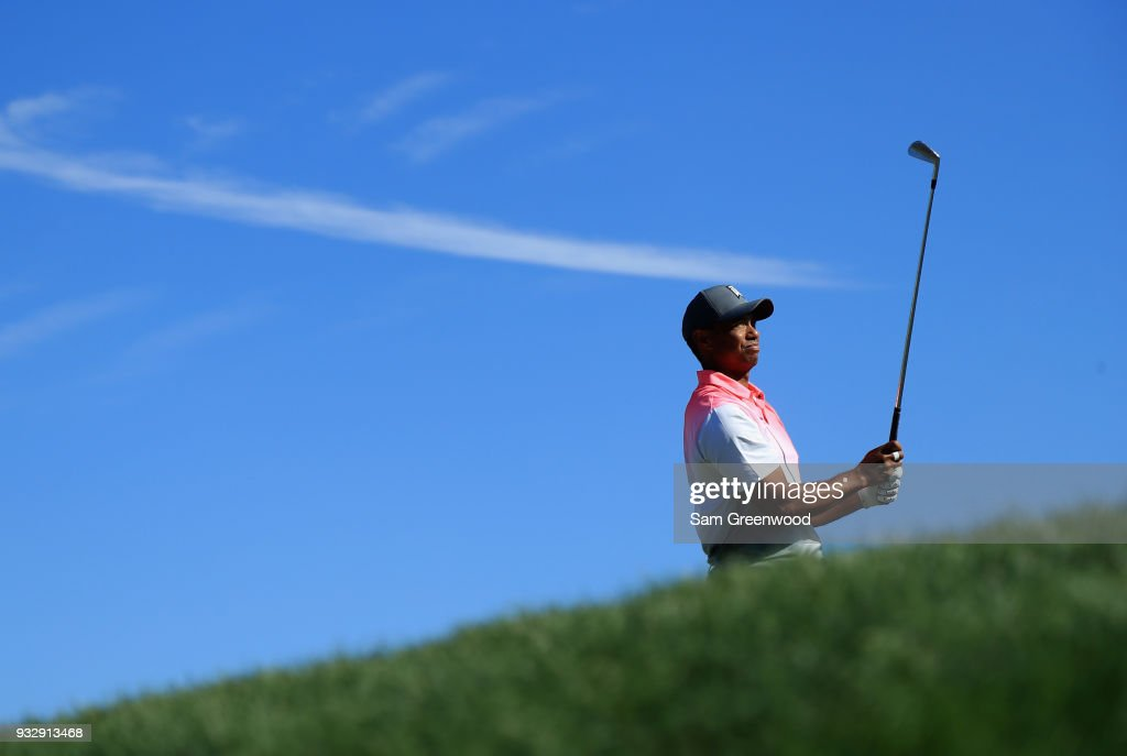 Tiger Woods plays his shot from the 14th tee during the second round at the Arnold Palmer Invitational Presented By MasterCard at Bay Hill Club and Lodge on March 16, 2018 in Orlando, Florida.