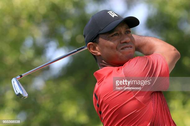 Tiger Woods plays his tee shot on the second hole during the final round of the 2018 Wells Fargo Championship at Quail Hollow Club on May 6 2018 in...