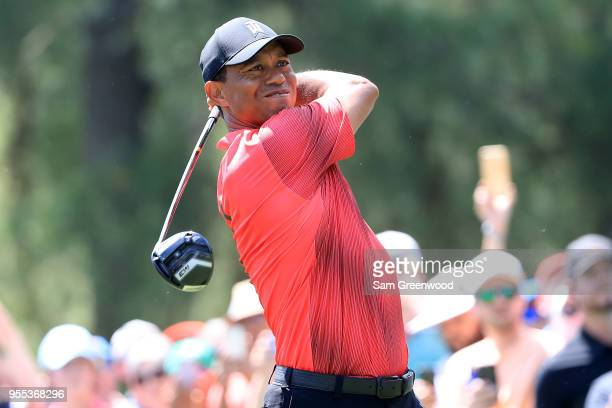 Tiger Woods plays his tee shot on the third hole during the final round of the 2018 Wells Fargo Championship at Quail Hollow Club on May 6 2018 in...