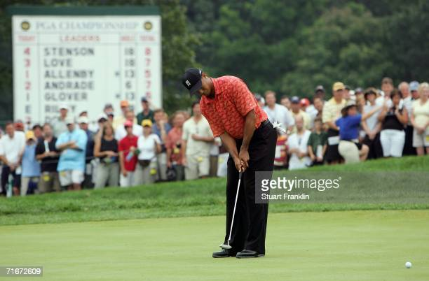 Tiger Woods putts on the fourth hole during the second round of the 2006 PGA Championship at Medinah Country Club on August 18 2006 in Medinah...