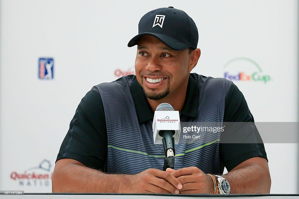 Tiger Woods News Conference : News Photo