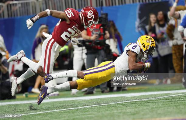 Tigers wide receiver Justin Jefferson scores a touchdown during the ChickfilA Peach Bowl CFP Semifinal college football game between the LSU Tigers...