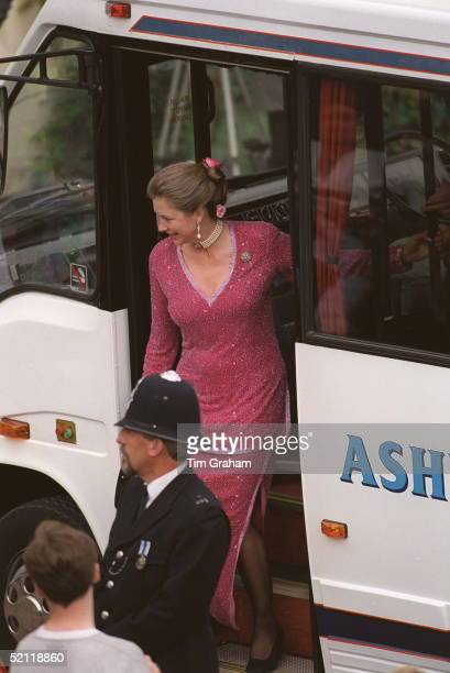 Tiggy Leggebourke A Guest At The Wedding Of Prince Edward To Sophie Rhysjones Windsor
