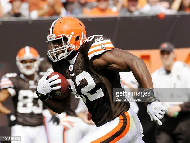 Tight end Ben Watson of the Cleveland Browns carries the ball after ctachinga pass during a game with the Kansas City Chiefs on September 19 2010 at...