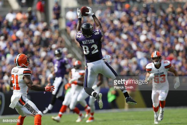 Tight end Benjamin Watson of the Baltimore Ravens makes a catch in second quarter against the Cleveland Browns at MT Bank Stadium on September 17...