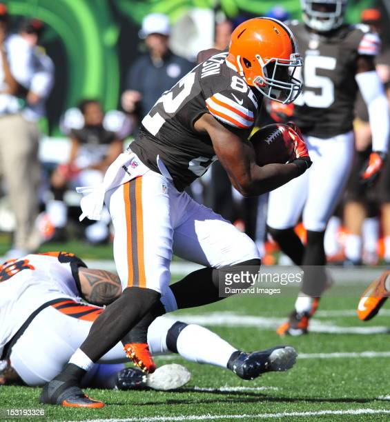 Tight end Benjamin Watson of the Cleveland Browns runs with the ball after making a catch during a game with the Cincinnati Bengals at Paul Brown...
