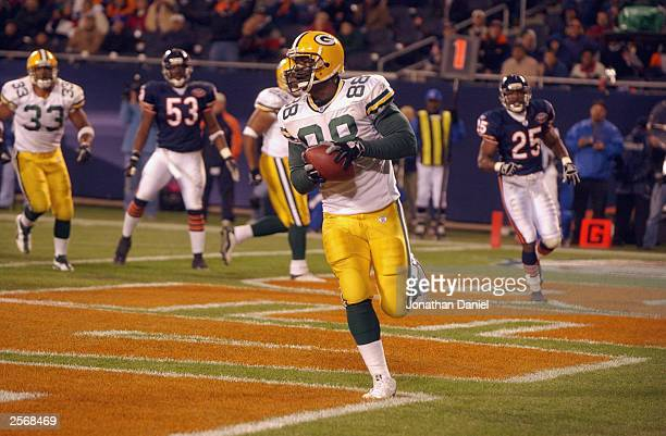 Tight end Bubba Franks of the Green Bay Packers pulls in a oneyard touchdown pass against the Chicago Bears in the fourth quarter on September 29...