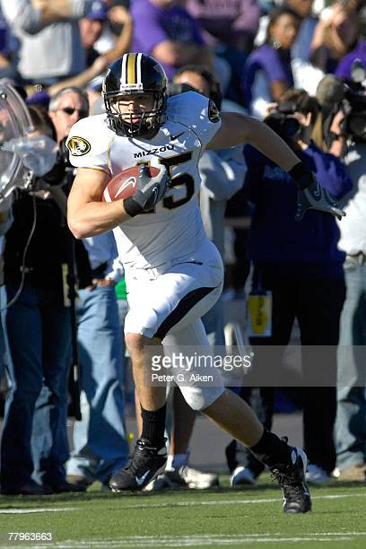 Tight end Chase Coffman of the Missouri Tigers rushes up field after making a catch against the Kansas State Wildcats in the second half at Bill...