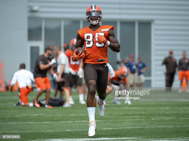 Tight end David Njoku of the Cleveland Browns carries the ball during a training camp practice on July 27 2017 at the Cleveland Browns training...