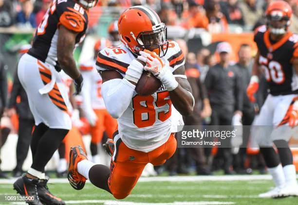 Tight end David Njoku of the Cleveland Browns catches a pass in the second quarter of a game against the Cincinnati Bengals on November 25 2018 at...