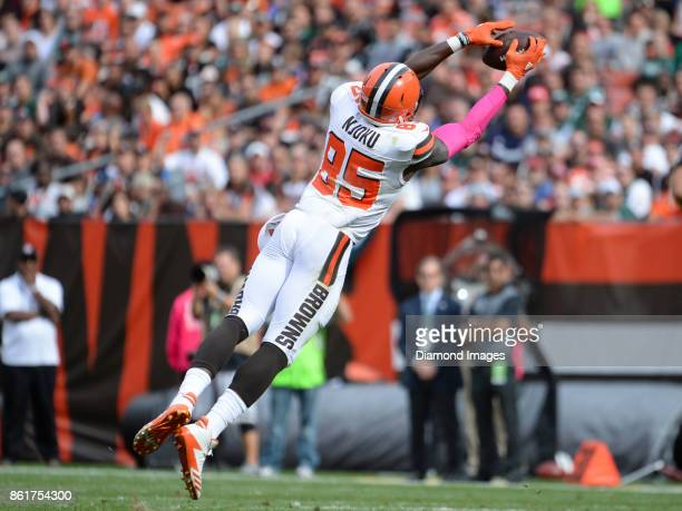 Tight end David Njoku of the Cleveland Browns catches a pass in the third quarter of a game on October 8 2017 against the New York Jets at...