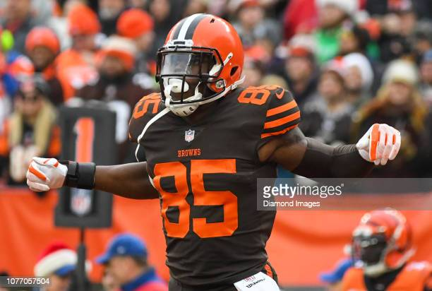 Tight end David Njoku of the Cleveland Browns celebrates after scoring a receiving touchdown in the second quarter of a game against the Cincinnati...