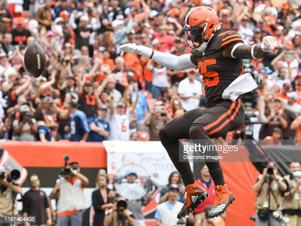 Tight end David Njoku of the Cleveland Browns celebrates after scoring a receiving touchdown in the third quarter of a game against the Tennessee...