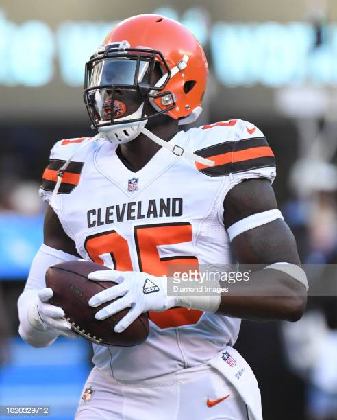 Tight end David Njoku of the Cleveland Browns warms up prior to a preseason game against the New York Giants at MetLife Stadium in East Rutherford...