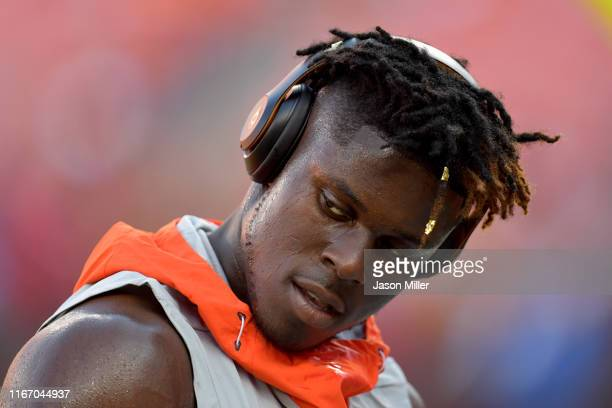 Tight end David Njoku of the Cleveland Browns warms up prior to a preseason game against the Washington Redskins at FirstEnergy Stadium on August 08...