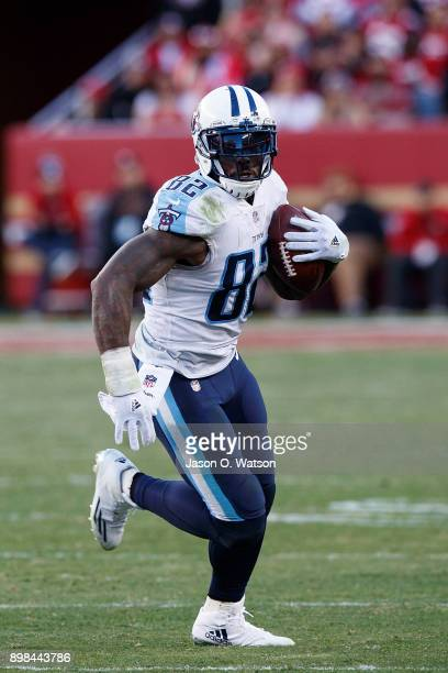 Tight end Delanie Walker of the Tennessee Titans rushes up field against the San Francisco 49ers during the fourth quarter at Levi's Stadium on...