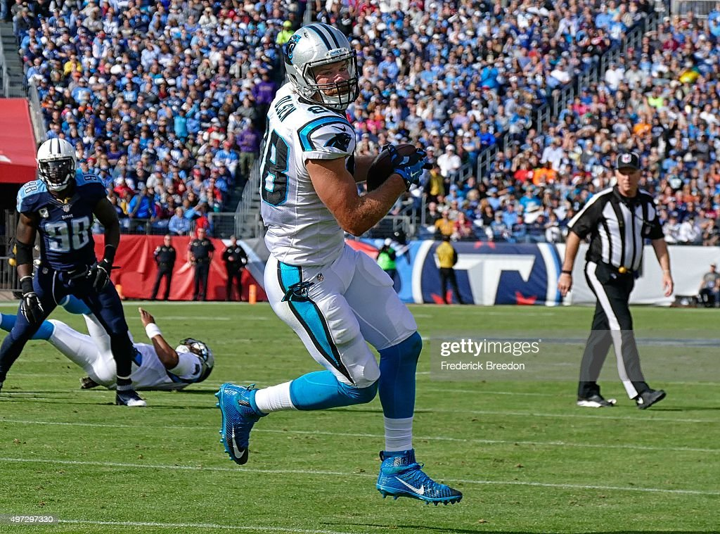 Tight end Greg Olsen #88 of the Carolina Panthers makes a reception against the Tennessee Titans at Nissan Stadium on November 15, 2015 in Nashville, Tennessee.
