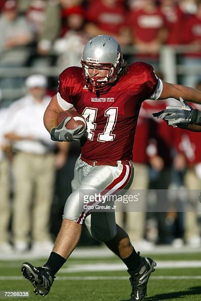 Tight end Jed Collins of the Washington State Cougars runs with the ball against the Oregon Ducks on October 21 2006 at Martin Stadium in Pullman...