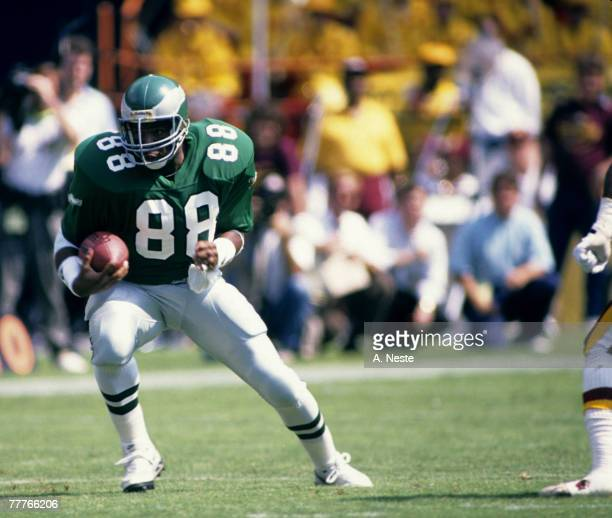 Tight end Keith Jackson of the Philadelphia Eagles runs with the football after making a catch during the Eagles 4237 victory over the Washington...