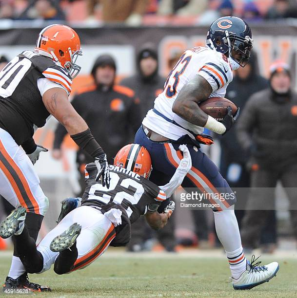 Tight end Martellus Bennett of the Chicago Bears runs with the football after a reception during a game against the Cleveland Browns at FirstEnergy...