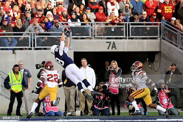 Tight end Mike Gesicki of the Penn State Nittany Lions makes an 11-yard touchdown reception in the second quarter against the USC Trojans during the...